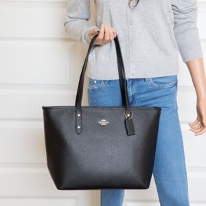 Coach Large City Zip Tote In Crossgrain Leather